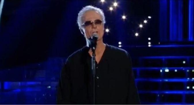 Tale e Quale Show, Filippo Bisciglia è Franco Califano: emozioni e standing ovation per l'esibizione [VIDEO]