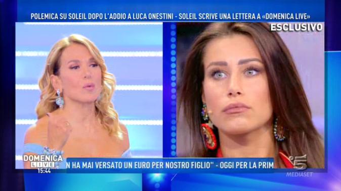 """Domenica Live, Soleil Sorge scrive una lettera alla d'Urso, parla Federica Benincà: """"Vittimismo pazzesco!"""""""