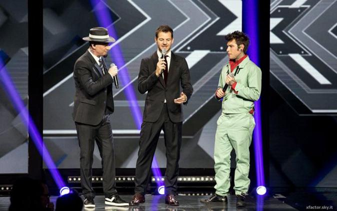 J-Ax e Fedez, 'Sconosciuti da una vita': il nuovo singolo in esclusiva ad X Factor 11 – [TESTO]