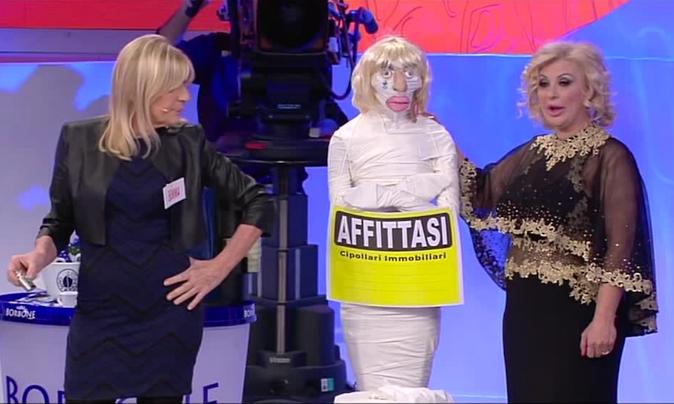 """Uomini e Donne Over, parla Gemma Galgani: """"Tina Cipollari è invidiosa? Ho pianto anche per colpa sua!"""" [VIDEO]"""