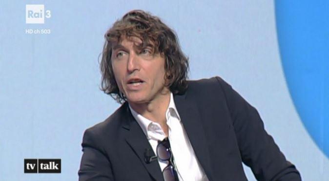 Tv Talk, puntata 21 ottobre: Giuseppe Cruciani e il dibattito sull'uso delle armi per autodifesa