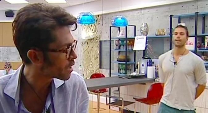 """Raffaello Tonon, confessioni shock al GF Vip: """"Mio padre è una persona agghiacciante"""", lo sfogo con Luca"""