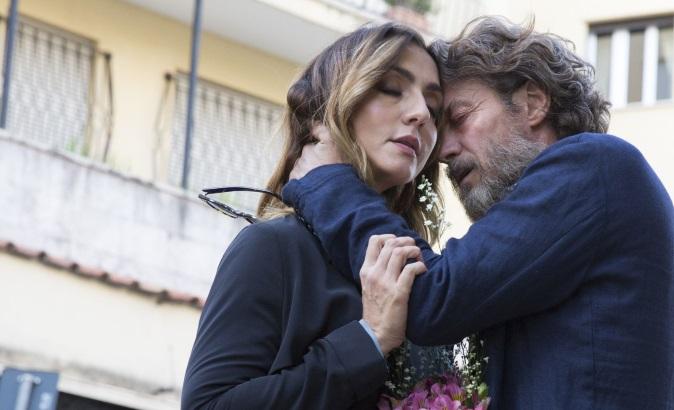 Mediaset e la Giornata mondiale contro la violenza sulle donne: il corto con Ambra Angiolini e Alessio Boni
