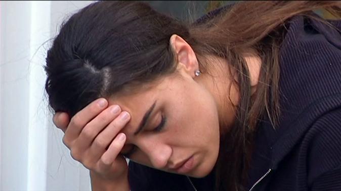 GF Vip 2017, crisi e paura per Cecilia Rodriguez: Jeremias e Ignazio la confortano [VIDEO]