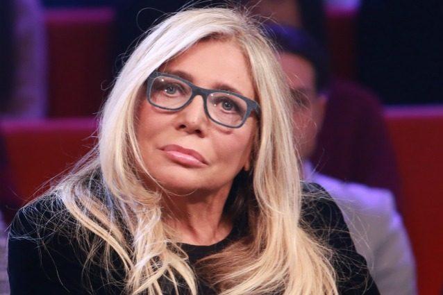 """Gossip news, Mara Venier choc: """"Anche io molestata due volte, la seconda da un politico importante"""""""