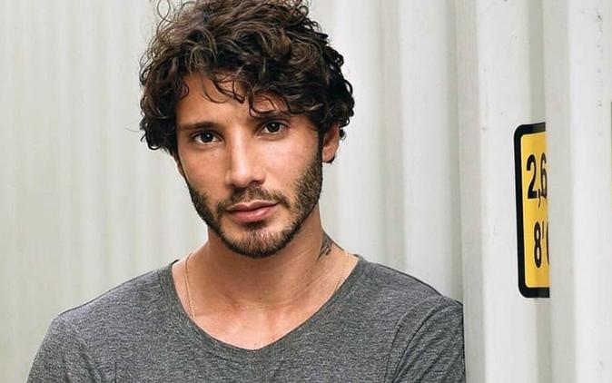 Gossip News: Stefano De Martino lascia Gilda Ambrosio per l'ex di Gianluca Vacchi?