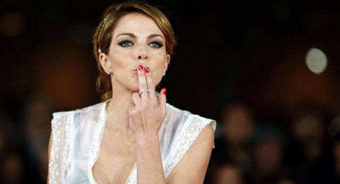 """Sarà Sanremo, Claudia Gerini conduttrice: ospite a Sanremo 2018? """"Non lo escluso"""""""