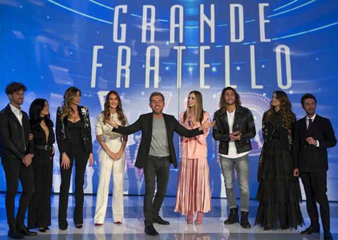 Grande Fratello Vip a Verissimo: Luca non ha visto Soleil, Giulia ama Andrea e la Yespica sta con Geppy