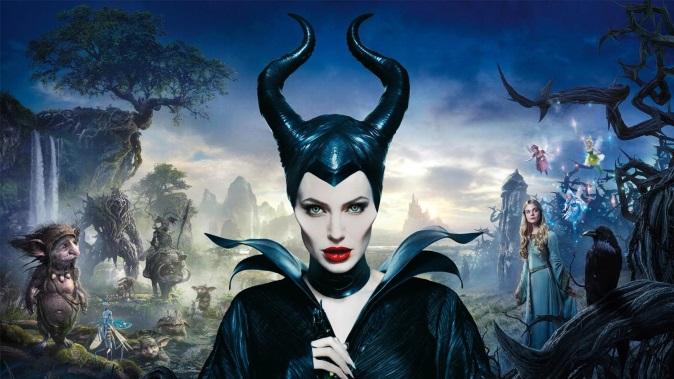 Film in Tv, programmazione oggi 29 dicembre 2017: Maleficent, Basic Instinct e tanti altri