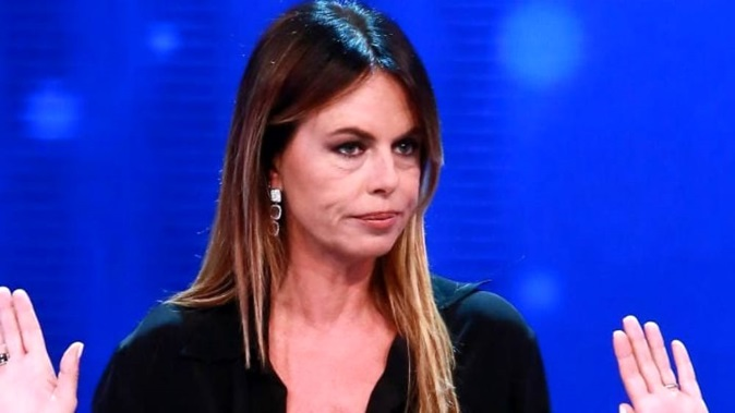 """Paola Perego choc: """"Io molestata da un politico"""", pronto il ritorno in tv con Superbrain"""