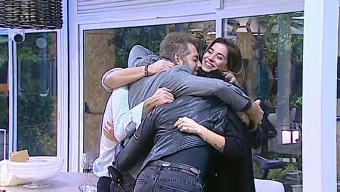 GF Vip 2, ultima cena e le lacrime di Raffaello Tonon: 'Luca ha riempito tanti buchi, sa quando sto bene!'