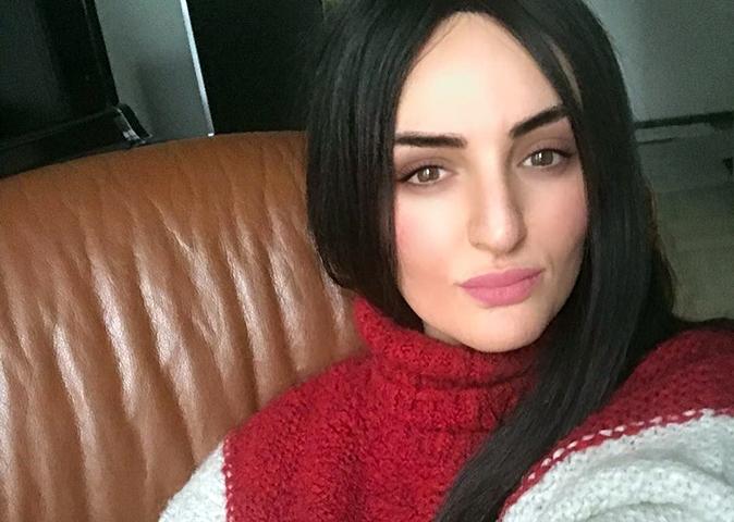 Arisa cambia look e risponde alle critiche dei fan: 'Adesso ho trovato il coraggio, non giudicarmi male…'