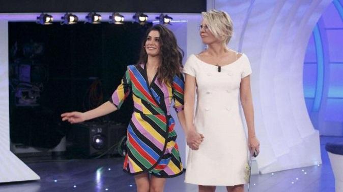 C'è posta per te, anticipazioni prima puntata 20 gennaio: Gerard Butler e Giulia Michelini ospiti