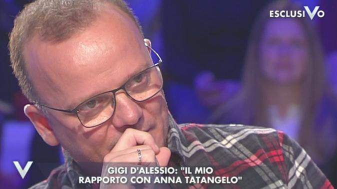 """Gigi D'Alessio a Verissimo smentisce la crisi con Anna Tatangelo: """"I giornali scrivono menzogne!"""""""
