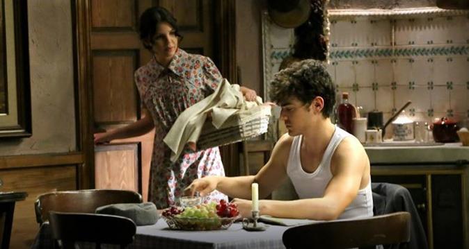 Il Segreto, anticipazioni dal 22 al 26 gennaio: Camila cerca Hernando ma Lucia intercetta la chiamata
