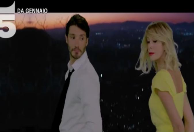 Isola dei Famosi 2018: video promo con Alessia Marcuzzi e Stefano De Martino che fanno il verso a La La Land – GUARDA