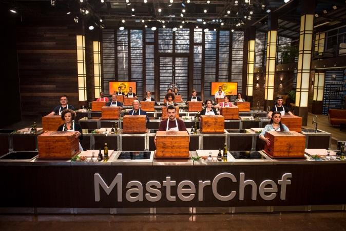 MasterChef Italia 7, anticipazioni 4 gennaio 2018: prima Mystery Box dell'edizione, prova in esterna a Bologna
