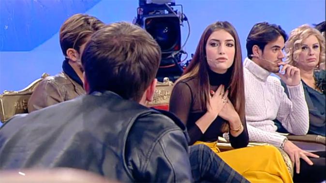 Uomini e Donne, anticipazioni settimanali classico e over: Gianluca si dichiara, Gemma e Giorgio vicinissimi