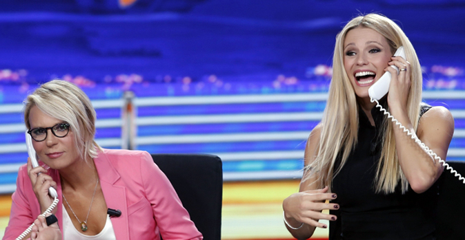 Maria De Filippi spara a zero su Sanremo 2018 e dà un consiglio a Michelle Hunziker, ecco le sue parole