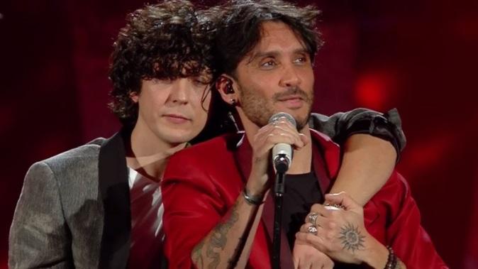 """Ermal Meta e Fabrizio Moro insieme? """"L'omosessualità non è qualcosa da cui difendersi, ci piacciono le donne"""""""