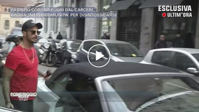 Fabrizio Corona umilia una inviata di Pomeriggio 5: Barbara d'Urso non la prende bene (Video)