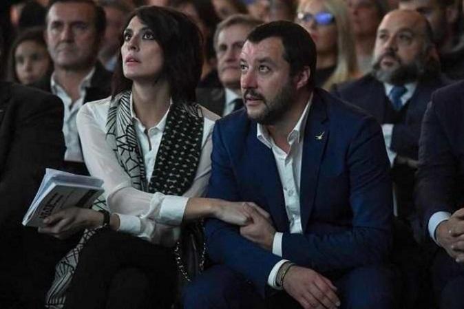 "Gossip news, Elisa Isoardi e Matteo Salvini insieme a Sanremo 2018: lei gli dedica ""Mila e Shiro"" e poi ""Votatelo!"""