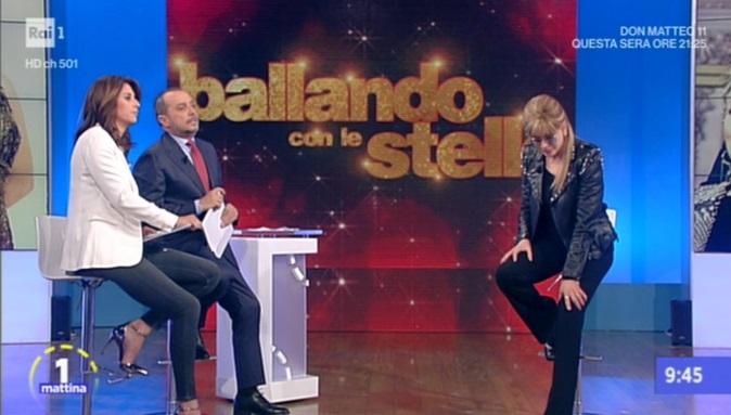 Bibi Ballandi è morto, addio al produttore tv di Ballando con le Stelle: Milly Carlucci sconvolta, lo apprende in diretta tv