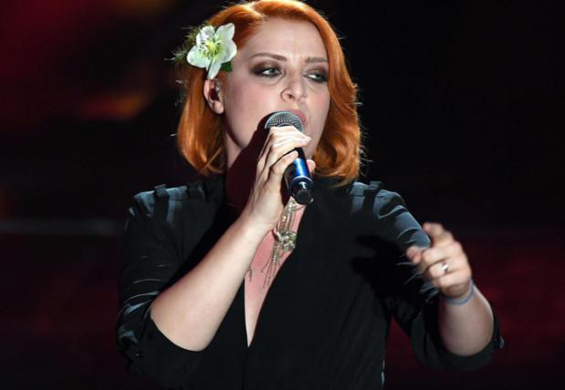 Sanremo 2018, Noemi è stata denunciata per oltraggio a pubblico ufficiale, ecco cosa è successo
