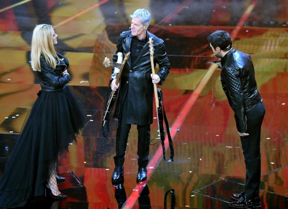 Sanremo 2018, quarta serata: Ultimo vince le Nuove Proposte, duetti Big e ospiti di Baglioni