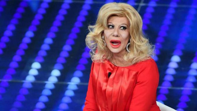 """Gossip News, Sandra Milo parla dell'imitazione di Viriginia Raffaele: """"E' stata volgare e non si è scusata!"""""""