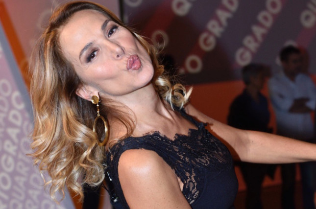 """Gossip Tv, Barbara d'Urso: uno dei suoi opinionisti finito nella """"lista nera"""", ecco chi è"""