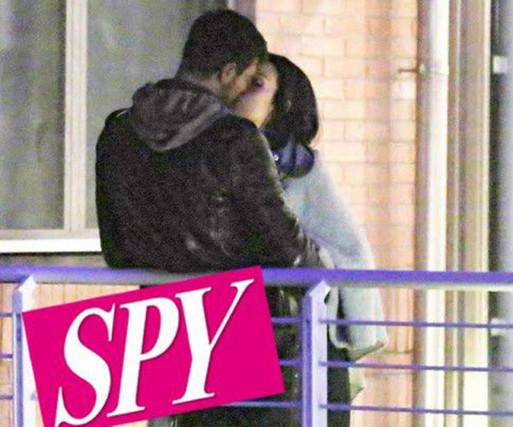 Francesco Monte e Paola di Benedetto, Isola dei Famosi: primo bacio e notte di fuoco in albergo