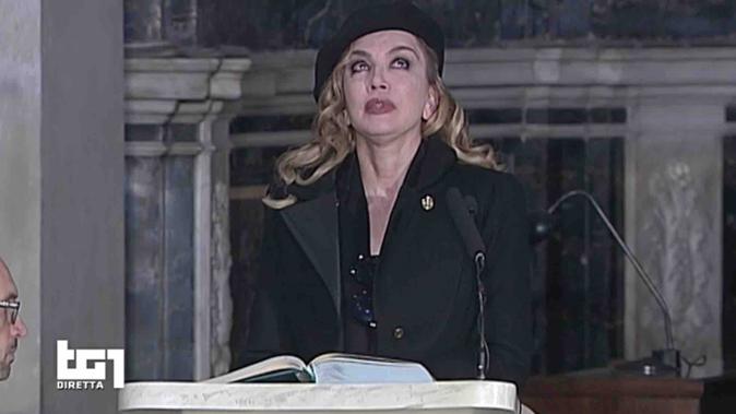 """Milly Carlucci ricorda Fabrizio Frizzi: """"Ballando con le stelle? Sabato vorrei non andare in onda!"""""""
