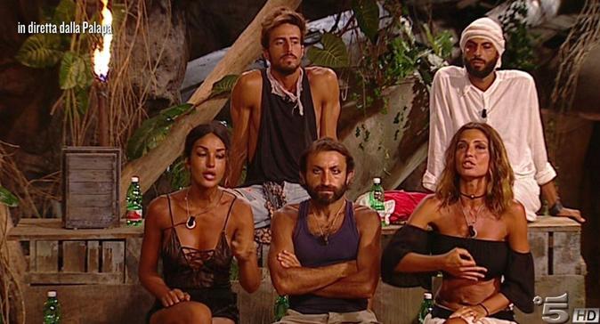 Isola dei Famosi 2018, Rosa eliminata prende il posto di Nadia: Jonathan, Marco e Simone in nomination
