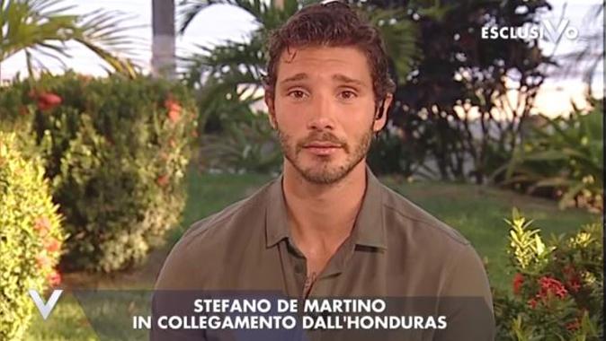 Isola dei Famosi 2018, Stefano De Martino ha rischiato la vita: omicidio nell'hotel dove alloggia in Honduras