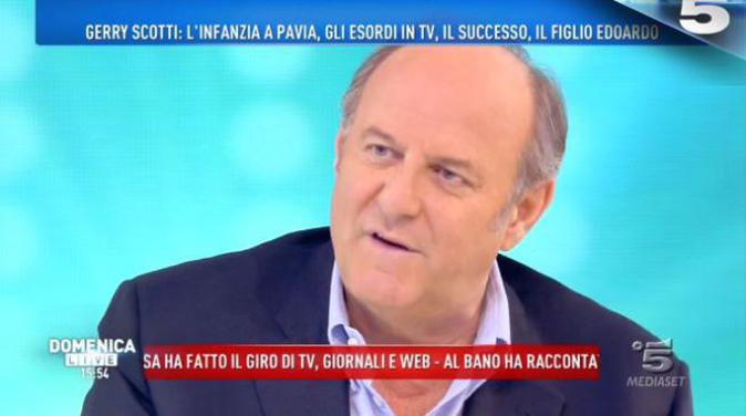 Gerry Scotti a Domenica Live ricorda Fabrizio Frizzi: l'emozionante lettera per l'amico