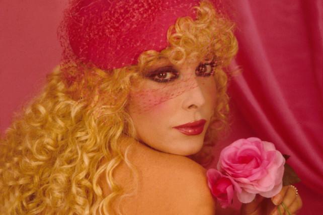 È morta Isabella Biagini, l'attrice aveva 74 anni: aveva denunciato il suo dramma da Barbara d'Urso