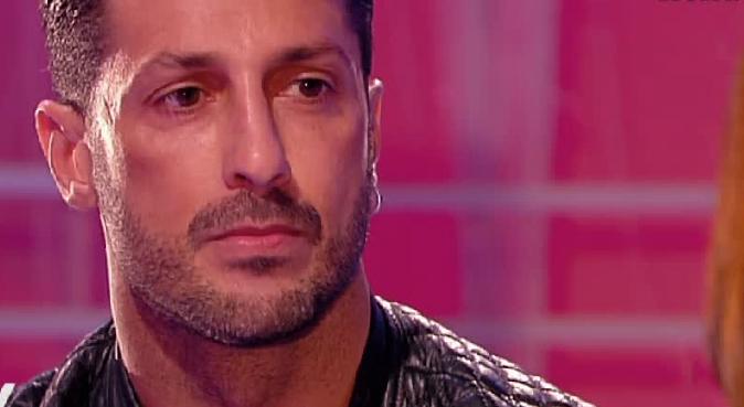 Fabrizio Corona a Verissimo, tra Nina Moric e Belen Rodriguez: poi la frecciatina ad Andrea Iannone