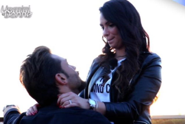 """Uomini e Donne, Mariano Catanzaro sceglie Valentina: """"Vuoi essere la mia Cicci?"""", ora tocca a Sara"""