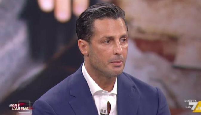 Fabrizio Corona, Non è L'Arena: un fiume in piena contro tutti, da Mughini a Selvaggia Lucarelli