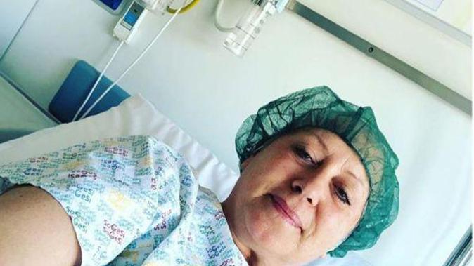 Carolyn Smith si è operata di nuovo: come sta? La giudice di Ballando con le stelle informa i fan