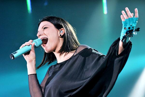 Laura Pausini, doppia nomination ai Latin Grammy Awards 2018: il messaggio per i detrattori