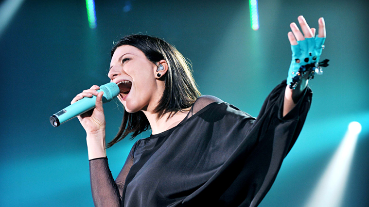 Laura Pausini, doppia nomination ai Latin Grammy Awards 2018: il messaggio per i detrattori