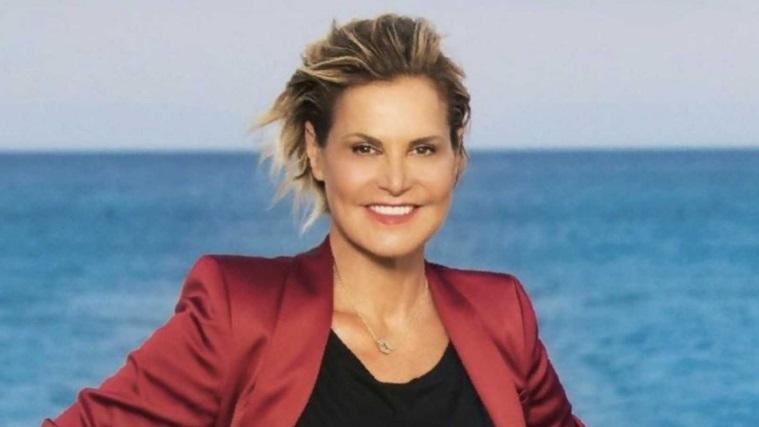 """Simona Ventura, frecciatina a X Factor e anticipazioni su Temptation Island Vip: """"Valeria Marini e Patrick calienti"""""""
