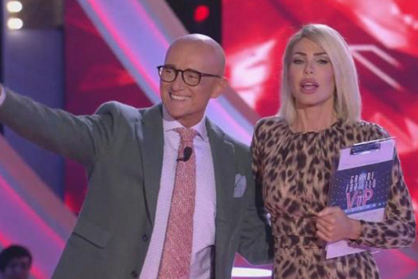 Grande Fratello Vip, l'ingresso di Lory Del Santo: eliminata Lisa Fusco, in nomination 4 concorrenti