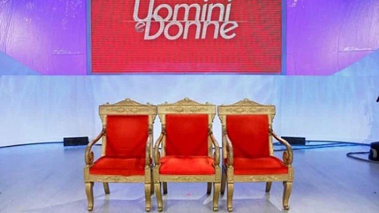 """Uomini e Donne, trono classico: dopo Mara Fasone si cerca il """"rimpiazzo"""", ecco il toto-tronisti"""