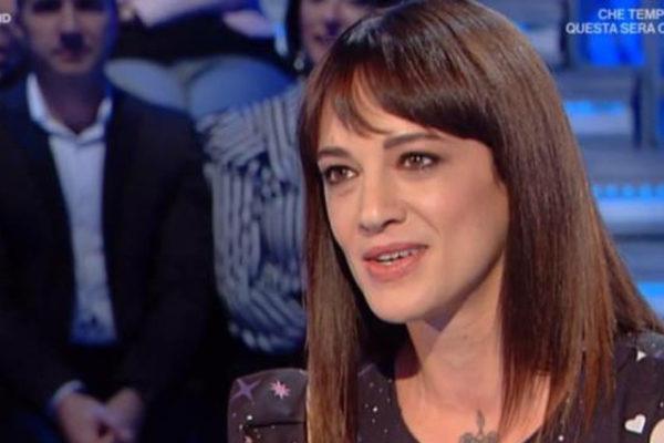 """Asia Argento a Domenica In: """"Fabrizio Corona mi ha steso! La depressione? Ora sto meglio!"""""""