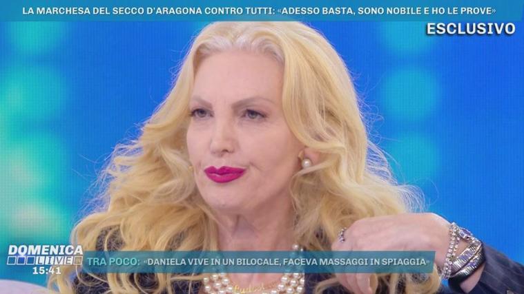 Domenica Live, la Marchesa Daniela Del Secco contro tutti: dall'ex marito a Riccardo Signoretti