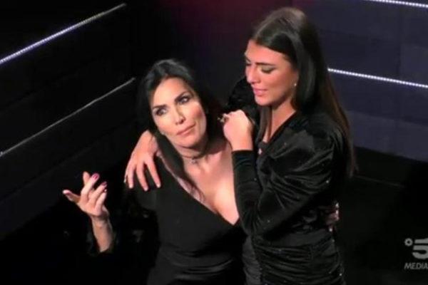 """Giulia Salemi a ruota libera: da Francesco Monte a mamma Fariba: """"Le chiedo di lasciarmi vivere!"""""""