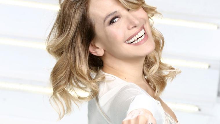 """Barbara d'Urso, nuovo anno in TV: torna il GF, la Dottoressa Giò e un prime time, Domenica Live si """"dimezza"""""""